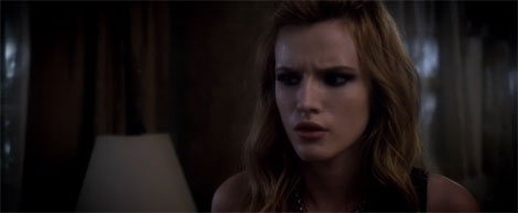 Un fotogramma del film horror Amityville: The Awakening