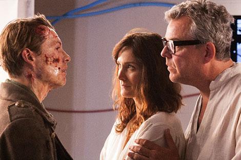 Un fotogramma del film horror Frankenstein (2015)