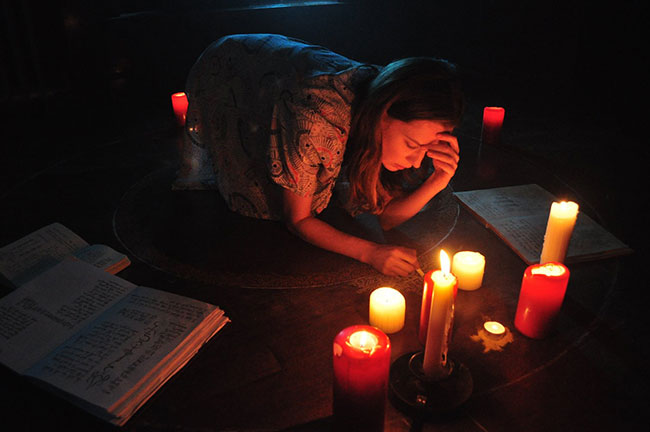 Un fotogramma del film del 2017 A Dark Song