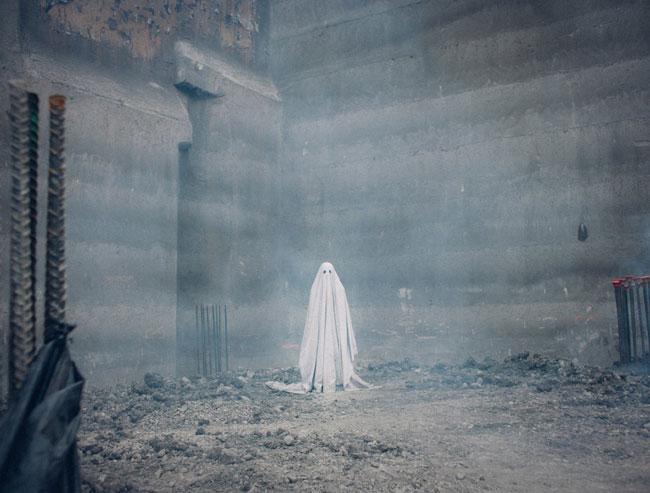 Un fotogramma del film fantastico A Ghost Story