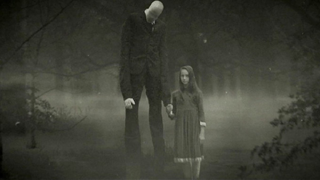 Un fotogramma del film del 2017 Beware the Slenderman