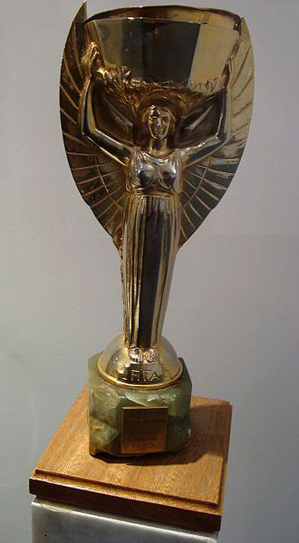 La coppa Jules Rimet realizzata da Abel La Fleur