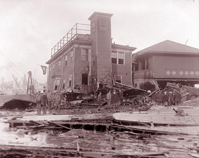Un edificio lesionato dall'esplosione