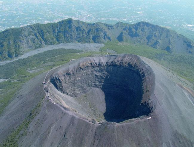 Il vulcano Vesuvio com'� oggi