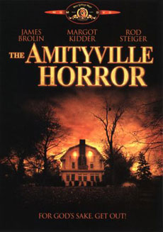La copertina del DVD di Amityville Horror, nei cinema nel 1979