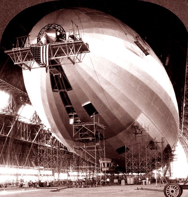 Una fase della costruzione dell'USS Akron