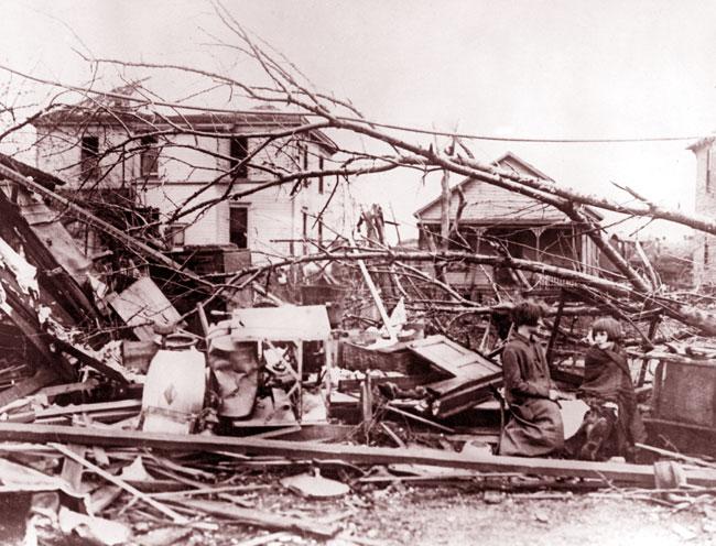La ditruzione portata dal Tri-State Tornado