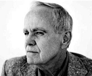 Lo scrittore Cormac McCarthy nel 2012