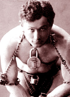 Harry Houdini, il mago ed escapista nemico dei medium