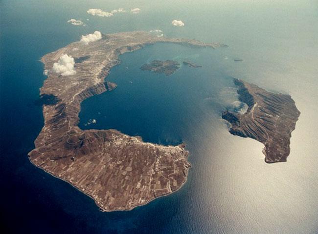 L'isola di Santorini oggi