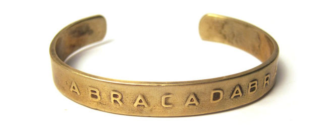 Abracadabra, una paralo magica contro le malattie