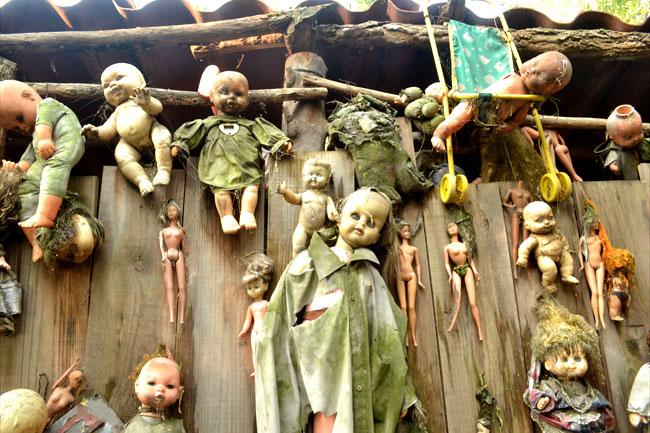 Una foto dall'isola delle bambole
