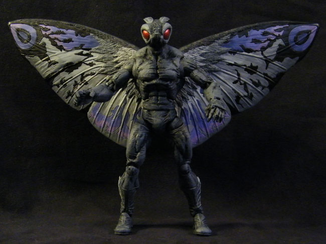 Una action figure dedicata al Mothman