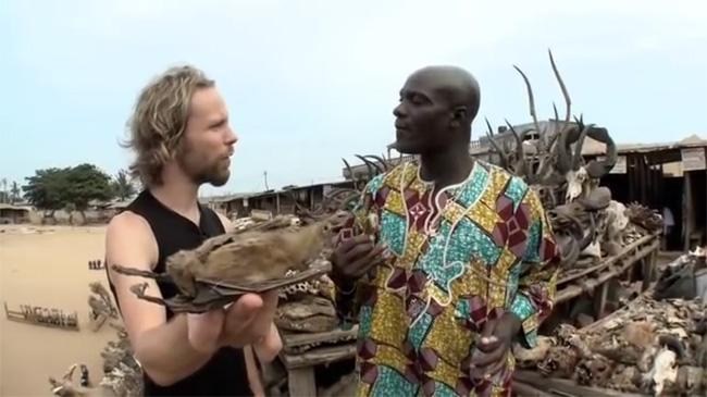 Un video sul mercato voodoo dei feticci di Akodessewa