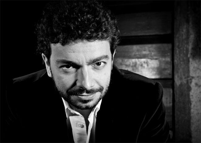 Una foto dello scrittore Massimo Polidoro