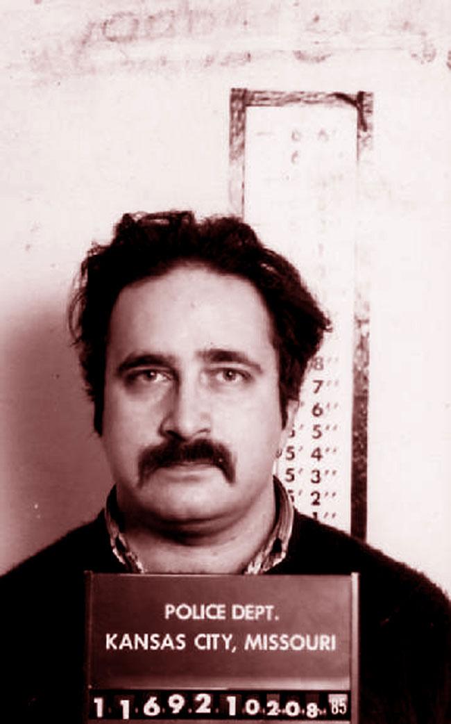 Una foto del serial killer Robert Berdella, il Macellaio di Kansas City